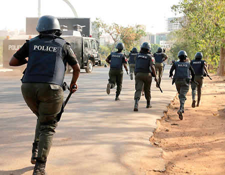 JUST IN: Again, Police disperse protesting Shiites in Abuja