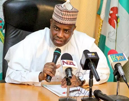 Tambuwal presents 15 buses to state Transport Authority, reduces fare