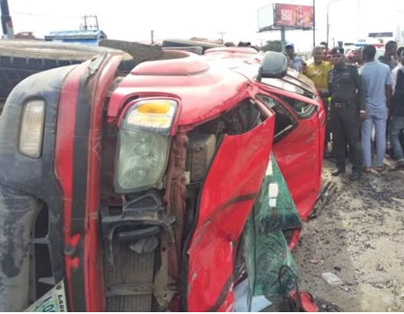 Vehicle sommersaults on Third Mainland Bridge, leaves two critically injured