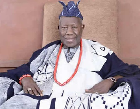 Seven Ibadan obas insist on wearing crowns » Latest News