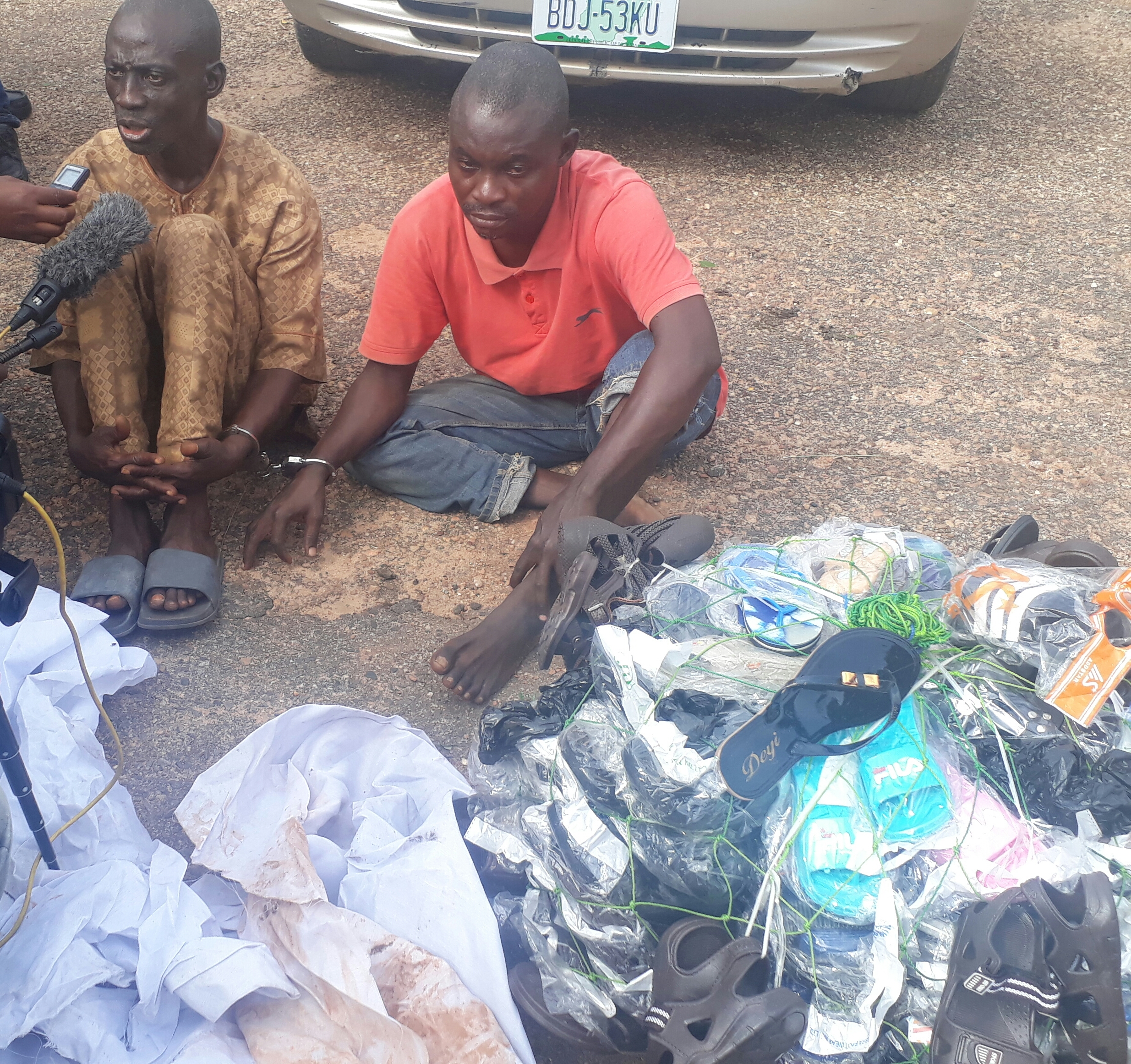 Photo: Oyo police arrest fraudsters who hypnotised girl, raped her and collected N1.4m from her