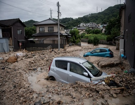 1 dead, 810,000 ordered to evacuate as storm hits Japan